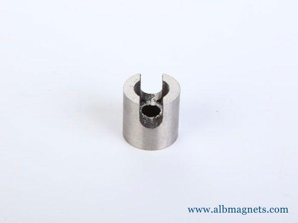 U horseshoe magnet magnetic materials magnetic assemblies