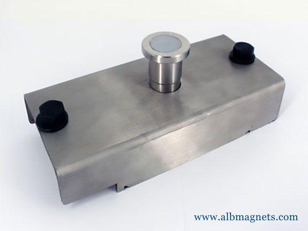 high quality steel formwork magnetic shutter box