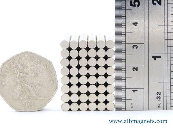 mini neodymium ndfeb disc magnet d3x1mm N52