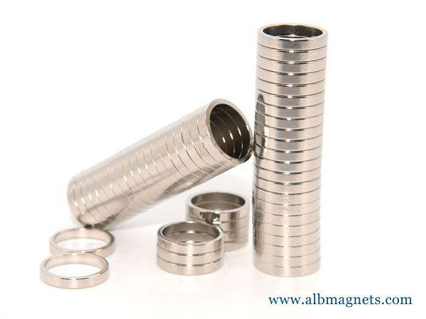 sintered permanent diametrically magnetized ring magnet